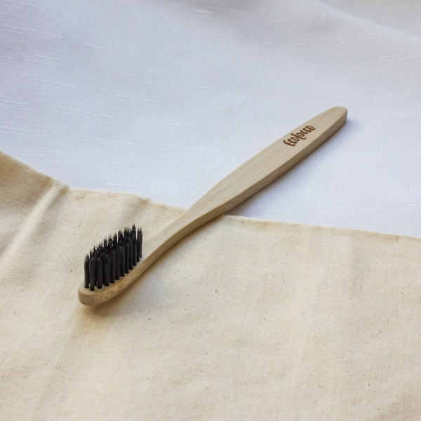 Čierna bambusová zubná kefka – Extra jemná