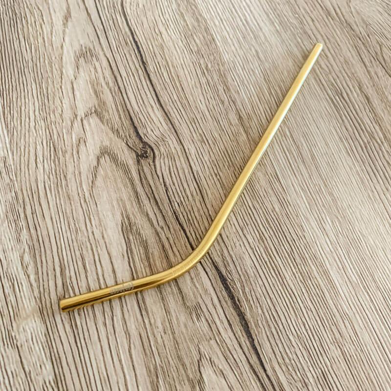 Zlatá kovová slamka – zahnutá